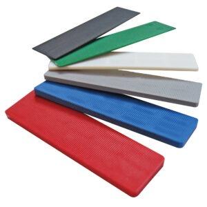 Glazed flat plastic packers. Mixed sizes and colurs